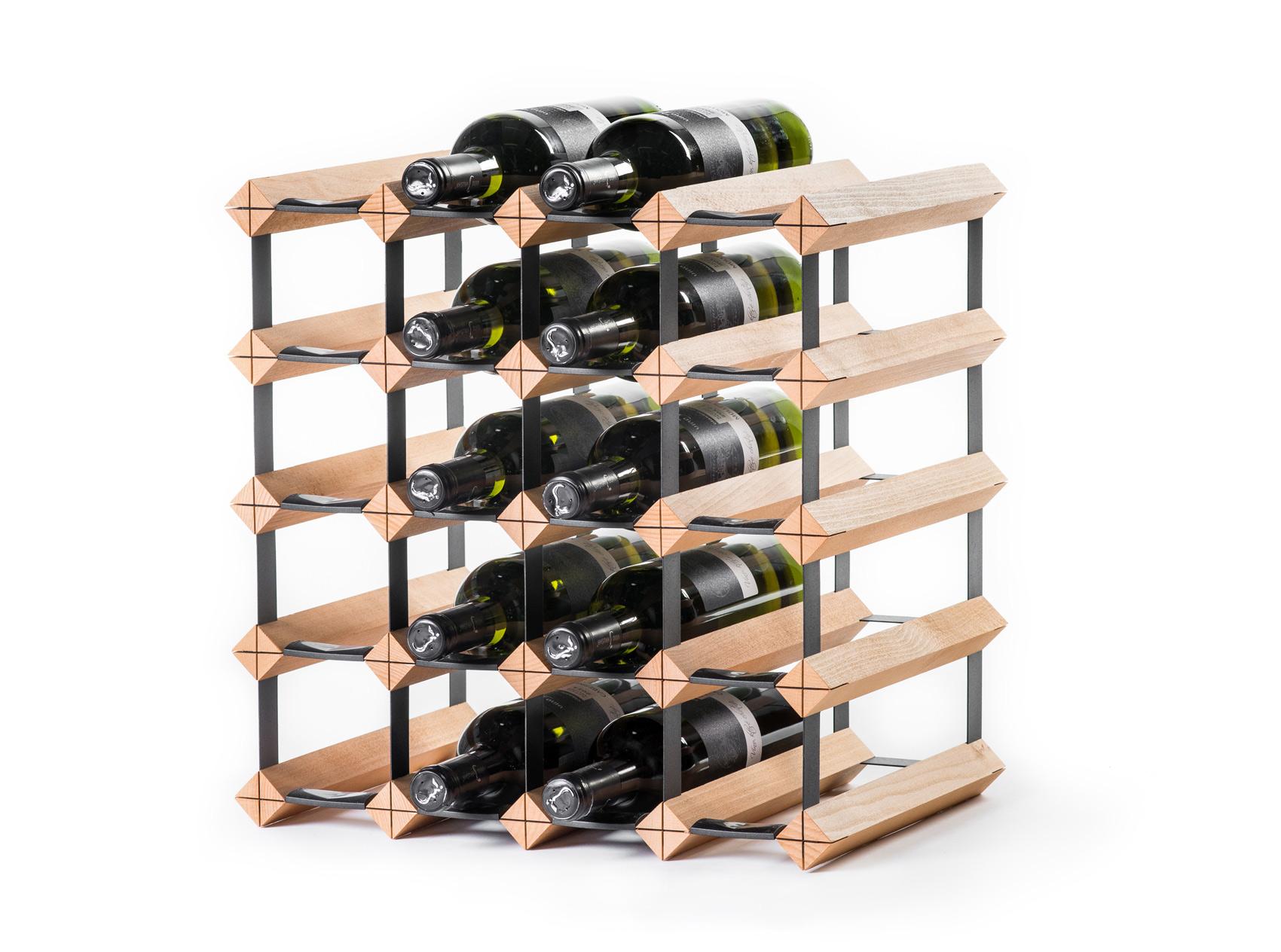 Stojan na víno na 20 lahví