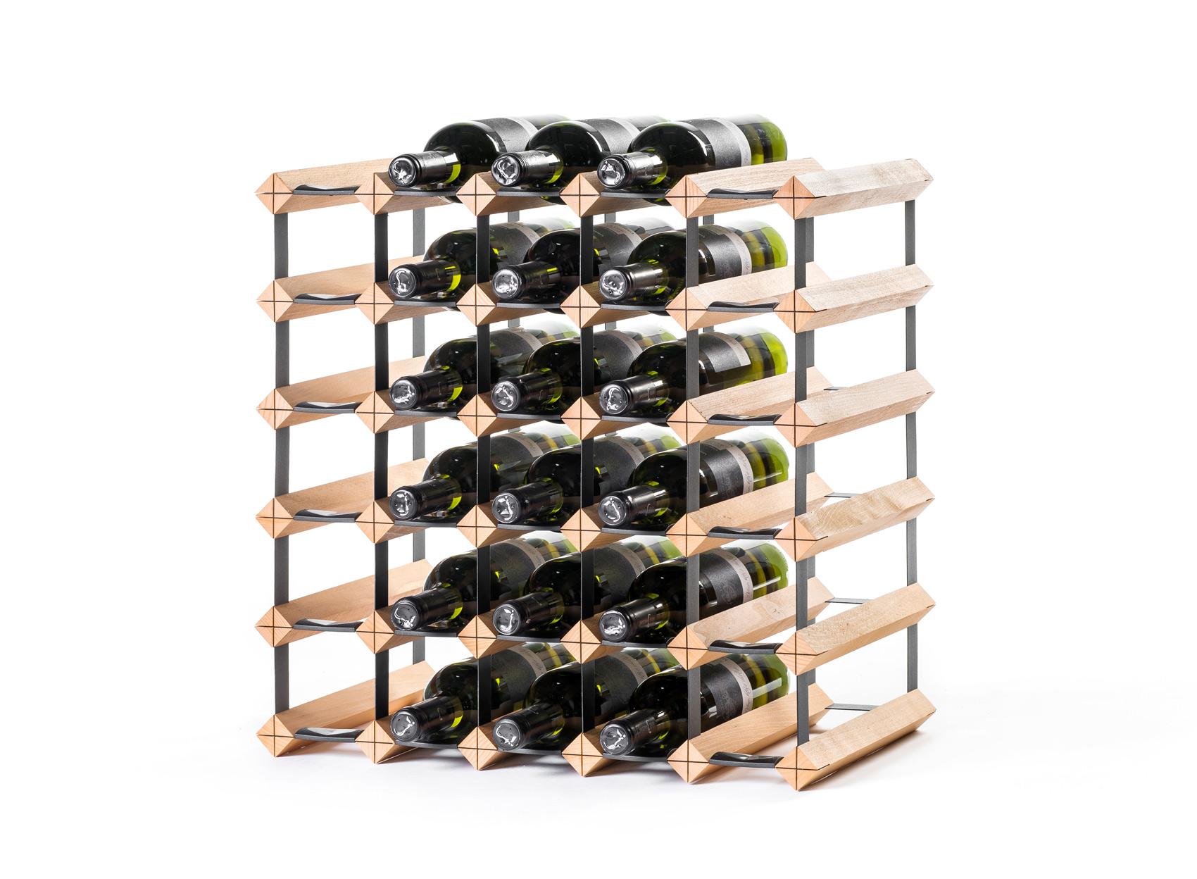 Stojan na víno na 30 lahví